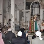 Syrský orthodoxní patriarcha Ignatius Aphrem II. v rozbořeném chrámu syrské církve...