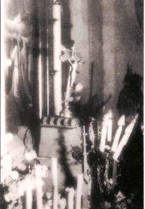 Původní zázračný oltářní kříž z lipového dřeva...